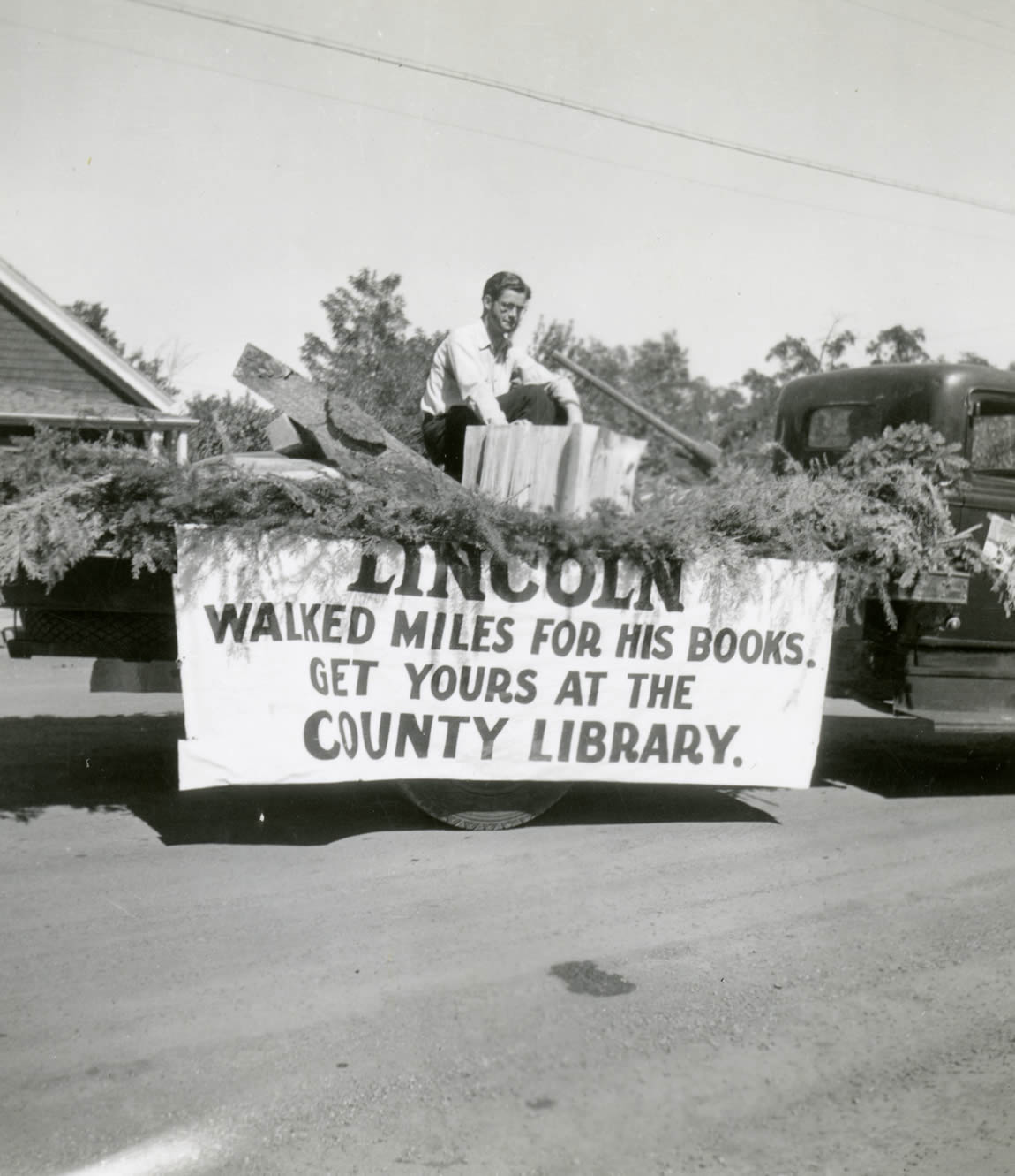 Siskiyou County library float, 1937